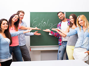 Logo Lernen 8 Gesellschaft f ergänzenden Unterricht GesmbH