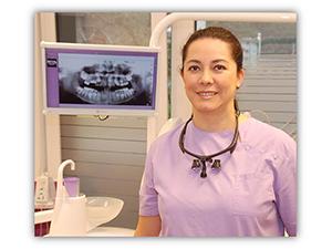 Logo Dr. med. dent. Martha L. Bachmayer