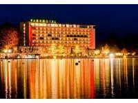 Parkhotel Pörtschach weihnachtlich beleuchtet
