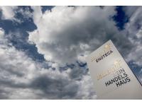 Herzlich willkommen in Döllerers Weinhandelshaus & Enoteca vor den Toren Gollings!