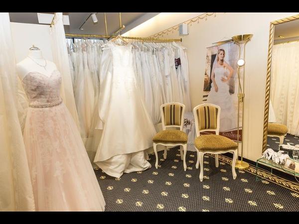 Brautmoden Tirol Dagmar Melmer 6414 Mieming Brautkleider U