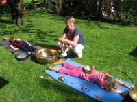 Klangschalenmassage für Kinder und Jugendliche