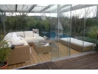 Glasfaltwand und Glasdach