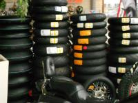 Ausreichend Reifen sind lagernd!