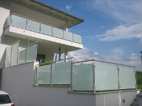 Edelstahl-Glas