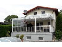 Terrassendach mit Unterglasmarkise