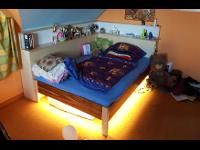 Bett mit LED-Beleuchtung