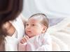 Junge Mama im Mutter-Kind-Haus der St. Elisabeth-Stiftung