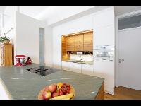 Heimische Materialien in der Küche