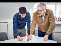 Besprechung im Büro bei geosolar Gösselsberger GmbH - Installateur Frankenburg