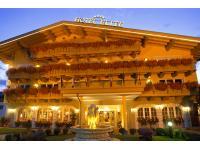 Hotel Eingang Abends