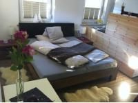 Eines der Zwei Schlafzimmer im Appartement KRISTALL ( je 1 Doppelbett, 1 Einzelbett )