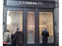Rollgitter für Omaga Uhren Boutique
