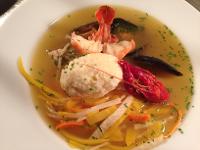 Fischsuppe mit Safran & Topfen-Krennockerl