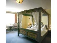 Doppelzimmer mit Baldachin