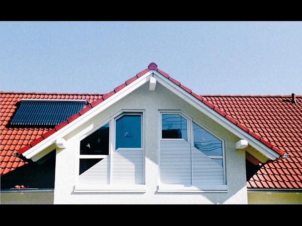 Schräg Rolläden und flexible Lösungen der Firma Fenster & Sonnenschutz in Salzburg