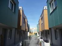 Großformatfassade hinterlüftet und Wärmegedämmt