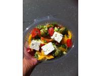 Frische Salate zum Mitnehmen