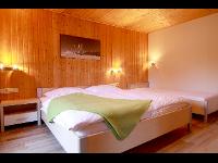 Doppelzimmer mit Balkonzugang