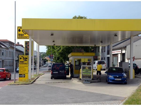 Vorschau - Foto 1 von Turmöl Tankstelle