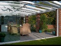 Terrassendach mit Glas-Schiebe-Türen