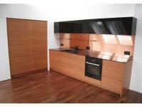 Küche in Birne mit Corian, Kupfer und Glas schwarz