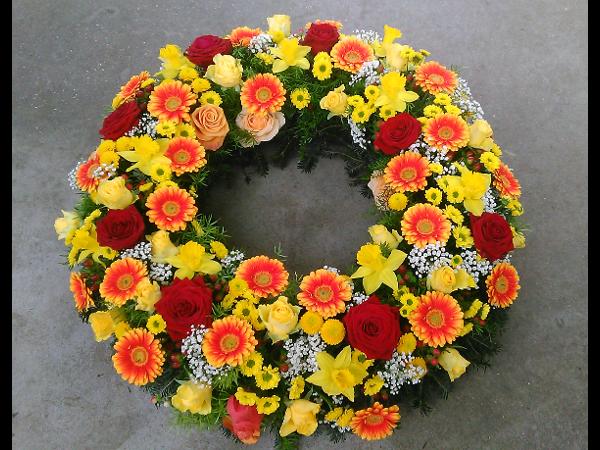 Vorschau - Blütenkranz mit Rosen, Germini und Narzissen