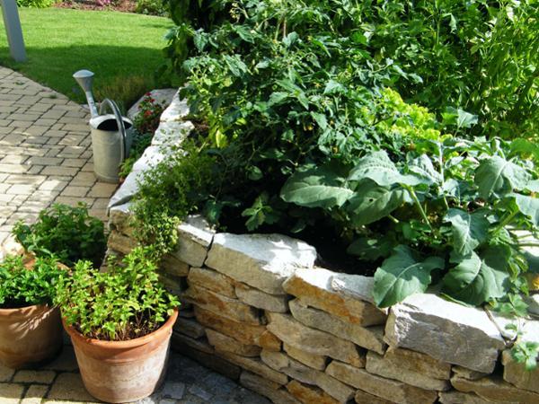 Vorschau - Hochbeet mit Naturstein