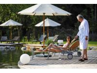 Naturschwimmteich im Garten-Hotel Ochensberger