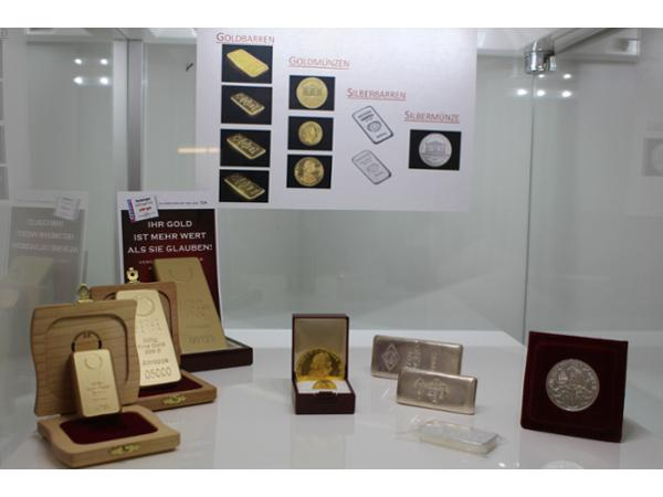Goldbarren, Goldmünzen, Silberbarren