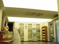 Lichtdecke in einer Apotheke