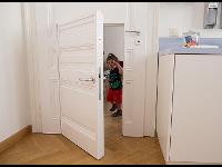 Unsere kleineren Patienten haben ihre eigene Türe