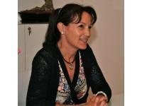 Dr. Elisabeth Kinn, Neurochirurgin