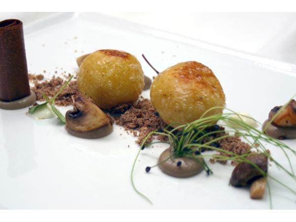 Vorschau - Kartoffel-Pilzknödel mit gebratenen Pilzen und Sauerrahm - Foto von zumsenner