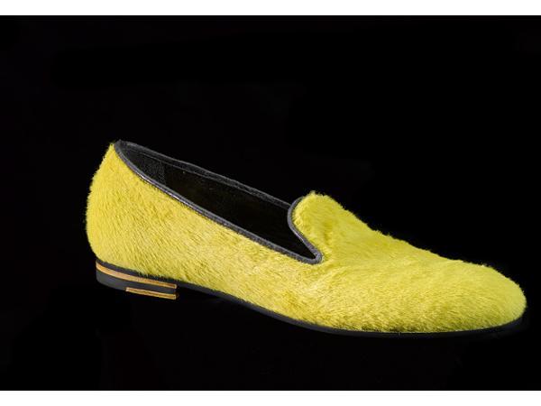 Ballerina yellow horse