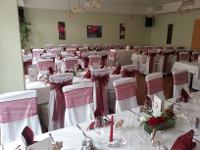 Hochzeitstafel im Saal