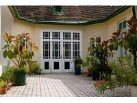Pension Margit - Eingang in den Hof