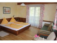 Komfortzimmer für 2-5 Personen mit Balkon oder Terrasse