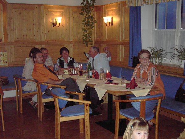 Feiern im Tiroler Stüberl