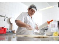 Handarbeit wird in unseren Küchen großgeschrieben