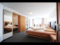 SERFAUS: Hotel mit Frühstück   Zimmer