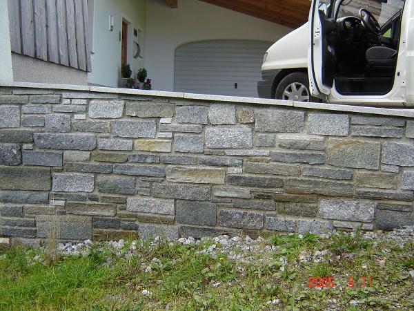 Mauerwerk aus Granit-Gneis