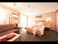 Doppelzimmer für 2-3 Personen   HOTEL SERFAUS