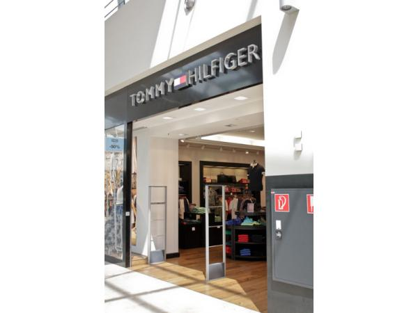 new products 96895 6157e Tommy Hilfiger Store