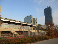 VBS Donau City ist neben der DC Tower -direkt an der Neue Donau gelegen
