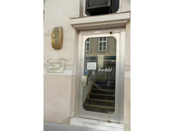 Uhrmacher Franz In 1010 Wien Friseur Auf Heroldat