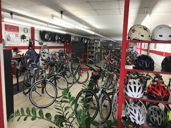 Red Plates bietet Fahrradreparatur Dienst St. Pölten