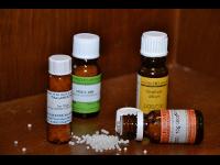 Verschiedene homöopathische Arzneien