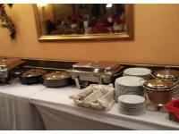 Wir bieten natürlich auch warmes Buffet