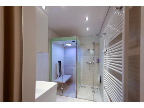 Vorschau - Badewanne raus und Dusche mit Infrarotkabine barrierefrei rein